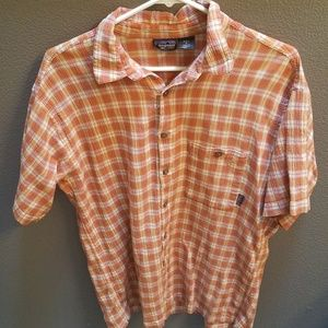 L short sleeve Patagonia button up shirt